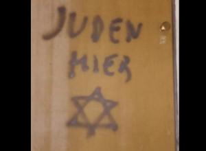 Mondovì, scritte antisemite sulla porta di casa di Aldo Rolfi, figlio della reduce del lager di Ravensbruck Lidia