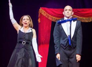 A Dronero l'esilarante magia comica del duo 'Strange Comedy'