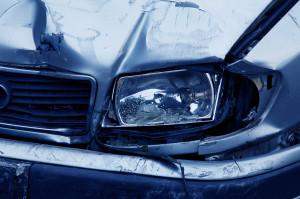 Incidenti 'combinati' per frodare l'assicurazione: in due alla sbarra