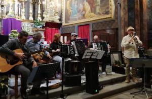 A Cerialdo musica folk con i 'Piedmont Folk Singers'