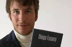 Il filosofo Diego Fusaro presenta a Cuneo il suo partito anti-euro