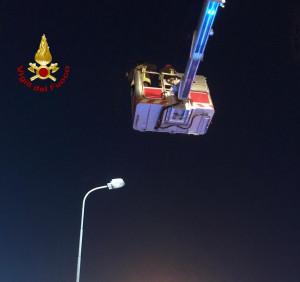 Cuneo, brucia un lampione sul viadotto Soleri