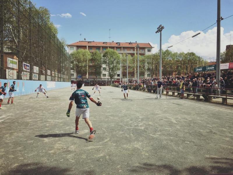 Cuneo, Borgna su piazza Martiri: 'Non è uno scandalo lasciare lì lo sferisterio'