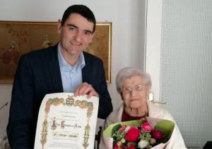 Fossano, il sindaco fa visita a una centenaria nel giorno del suo compleanno