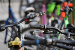 Mondovì, bicicletta come 'ariete' per svaligiare un negozio