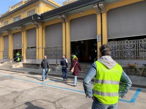 Cuneo, svolgimento regolare per il mercato di piazza Seminario