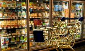 A Saluzzo la 'spesa sospesa' per gli indigenti in supermercati e alimentari