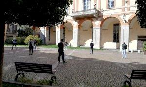 Cuneo, in piazza la protesta delle 'Mascherine Tricolori': 'Dove sono le misure a sostegno dell'economia?'
