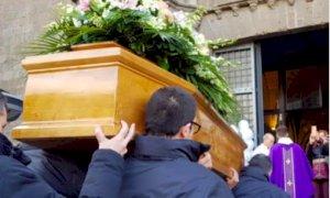 Le Diocesi ribadiscono le disposizioni per i funerali: ''Niente messe''