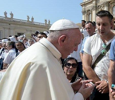 Borgheresi durante l'udienza papale con le vittime del Forteto