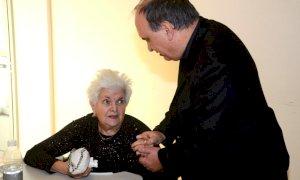 Il vescovo di Alba scrive agli anziani: ''Per noi non siete un peso ma un dono''