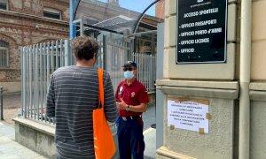 Cuneo, i poliziotti in pensione regolano l'accesso agli uffici amministrativi della Questura