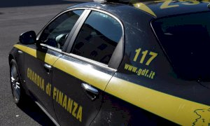La Guardia di Finanza ha sequestrato 80 mila mascherine non a norma importate da una società braidese