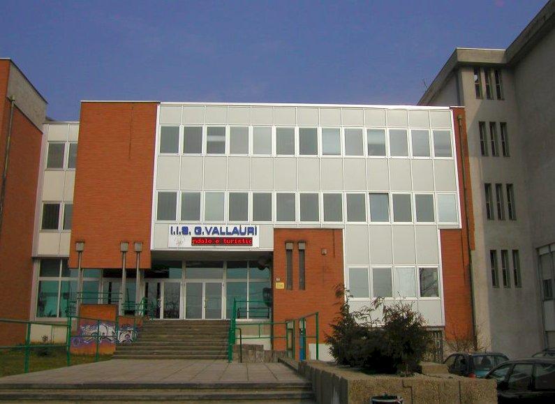 Dalle Regione 4,3 milioni di euro per interventi su due scuole della Granda, Borgna: ''Ottimo risultato''