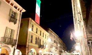 Cuneo, la Torre Civica 'tricolore' impazza sui social network