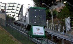 Cuneo: si sostituiscono le telecamere di sorveglianza, chiude l'ascensore inclinato