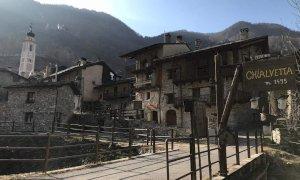 Anche al tempo del Covid c'è chi scommette sulla montagna: a Chialvetta apre un negozio di alimentari