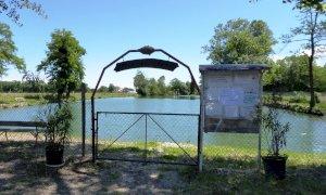 Al 'lago dij Giurdan' di Boves la pesca resta sospesa per tutto il 2020