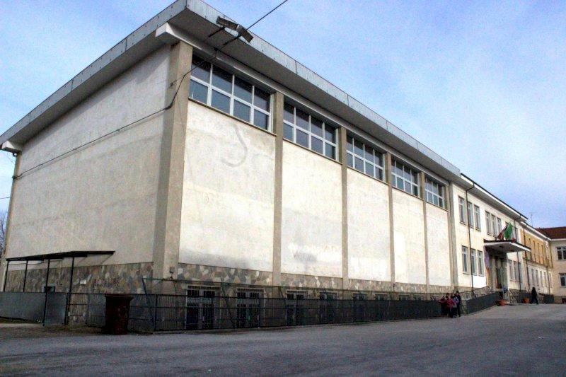 Il Comune di Cuneo chiede aiuto per realizzare un murale sulla facciata della scuola di Madonna dell'Olmo