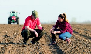 'Non contributi a pioggia, ma interventi mirati per salvare il futuro dell'agricoltura'