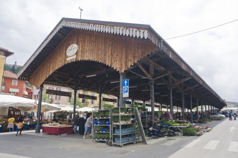 Mondovì, il 'mercato diffuso' nelle piazze del centro storico