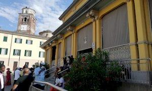Cuneo, centinaia di ivoriani in coda per poter votare alle elezioni presidenziali