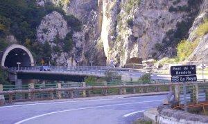 'Il divieto di transito dei mezzi pesanti sulla strada della val Roja discrimina gli italiani'
