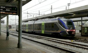 La Regione ribadisce: 'Intendiamo abolire l'obbligo di distanziamento sui treni'