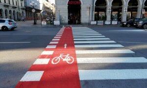 Cuneo, arrivano le 'strisce ciclabili' in piazza Galimberti