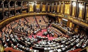 ''L'Italia è a ramengo, ma i parlamentari sono sempre sorridenti''