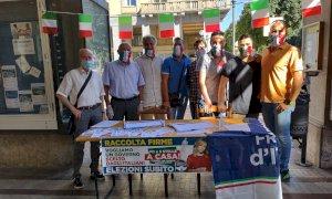 Fratelli d'Italia: 'Un grande successo la raccolta firme contro il governo Conte'