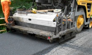 Proseguono gli interventi di asfaltatura delle strade provinciali