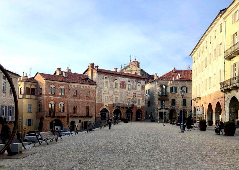 Mondovì Piazza, torna l'area pedonale estiva in piazza Maggiore