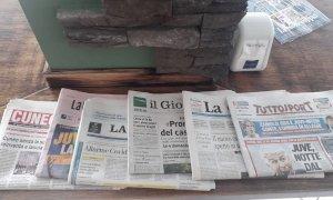 Da oggi via libera a quotidiani e giornali negli esercizi pubblici e al gioco a carte