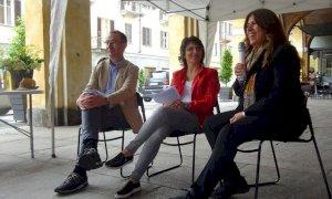 Carrù, si parla di vino, salute, buon cibo e divertissement con Cinzia Ortega, Anna Comba e Lorenzo Tablino