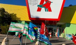 L'Auchan di Cuneo chiude: tornerà il 3 settembre con il marchio Conad