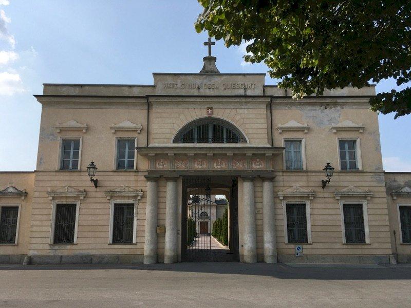 Cuneo, una raccolta firme per chiedere l'istituzione della sala del Commiato per i funerali laici