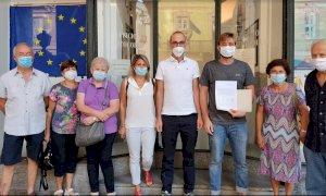 Cuneo, depositate oltre 400 firme contro il dormitorio per migranti a Tetti Roero