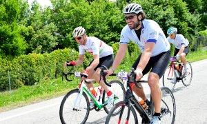 Una tappa da Busca a Sestriere nel Giro-E, l'unico evento al mondo per le bici a pedalata assistita