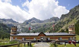 Valle Gesso, escursioniste ferite in due diversi incidenti nell'area del Valasco