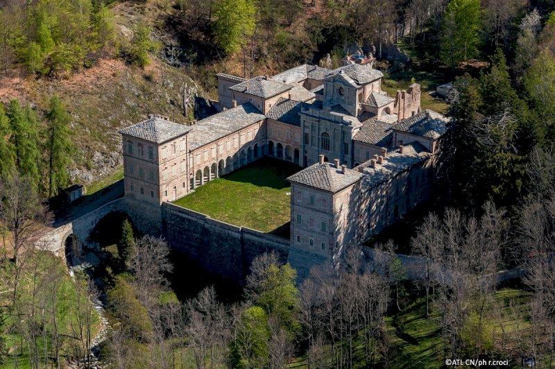 La Reggia di Valcasotto torna a risplendere: due mesi di visite guidate a partire da oggi