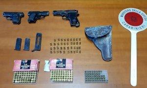 In giro per le vie di Roata Chiusani con tre pistole in macchina: arrestati