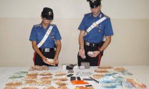 Due chili di droga e olte 50mila euro in contanti: arrestato un 43enne di Fossano