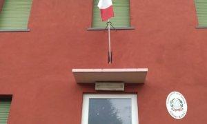 ''Il Sindaco e l'Amministrazione Comunale non c'entrano nulla con la sostituzione delle bandiere deteriorate''