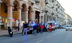 Per mezz'ora ostaggio in una gioielleria, la sequestratrice trasferita in carcere a Torino