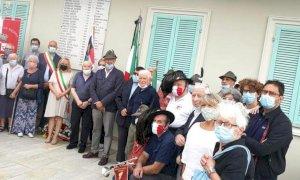 Cheraschesi a Cerequio per commemorare i partigiani caduti nell'agosto 1944