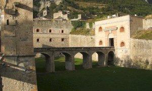 Svaligiarono il bar del Forte di Vinadio e devastarono il rifugio Vega, nei guai due giovani