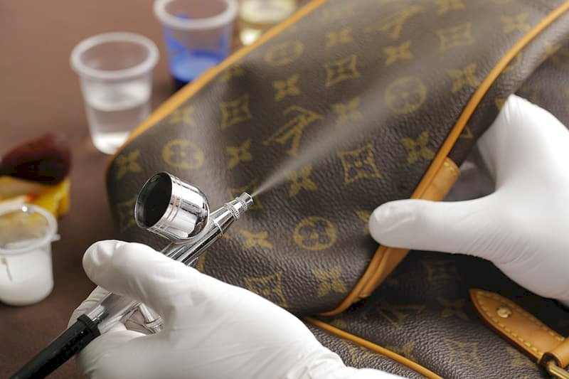 Abbigliamento di lusso ceduto per pochi spiccioli: condannato un maghrebino residente a Paesana