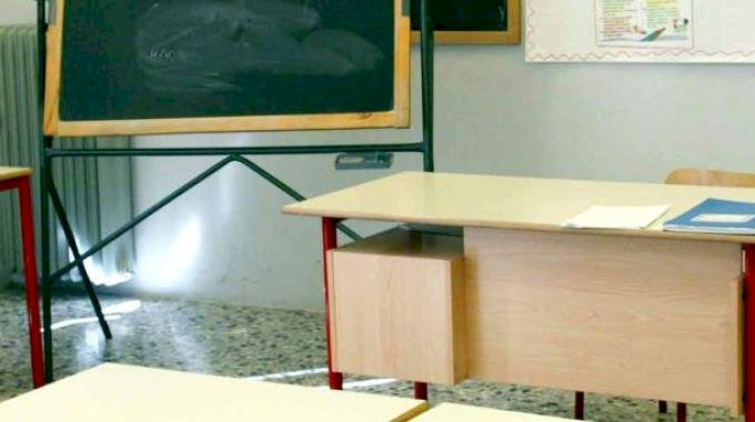 La protesta degli insegnanti: 'Caos e disparità nelle immissioni in ruolo delle scuole cuneesi'