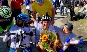 Missione compiuta per Davide Rivero, ha scalato il Fauniera pedalando al contrario